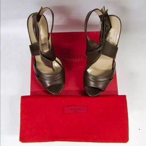 Valentino leather wedge with bow Sz 40, 8.5-9US